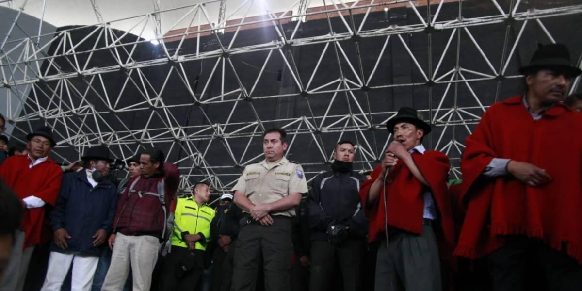 EN VIVO: Policías retenidos en la Casa de la Cultura 10 de octubre