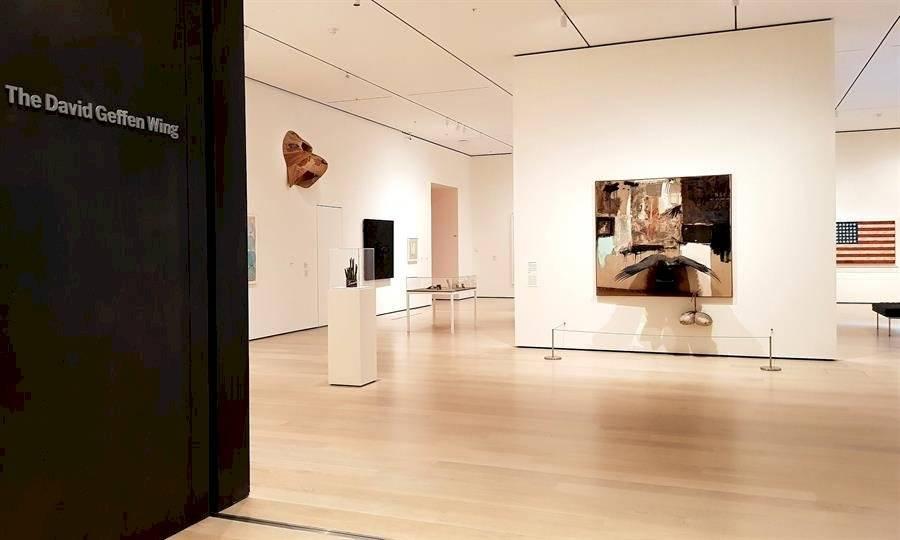 10/10/2019 21:27 (UTC) Autor: USR_PMU Temática: Arte, cultura y espectáculos » Bibliotecas y museos Vista de la entrada este jueves al ala David Geffen, una de las nuevas salas remodeladas del icónico museo de Arte Moderno de Nueva York (MoMa). EFE/Jorge Fuentelsaz