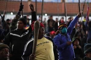 Manifestantes indígenas en Ecuador