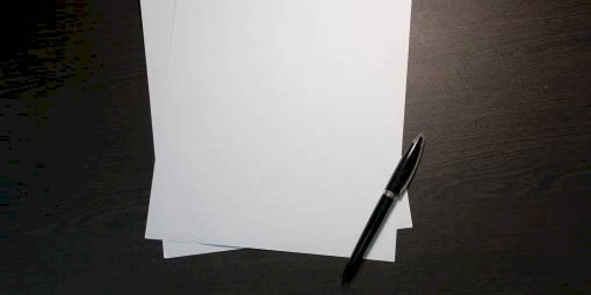 Estudiante inventa tinta invisible y logra la mejor nota