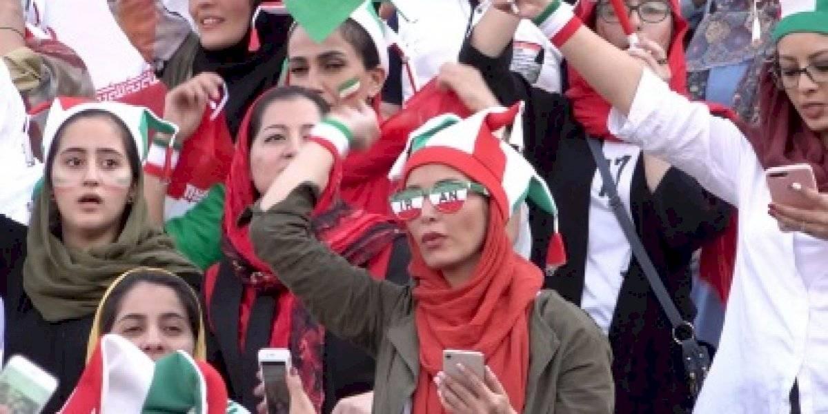 Por primera vez en 40 años: en Irán 4.600 mujeres pueden ver un partido de fútbol en el estadio