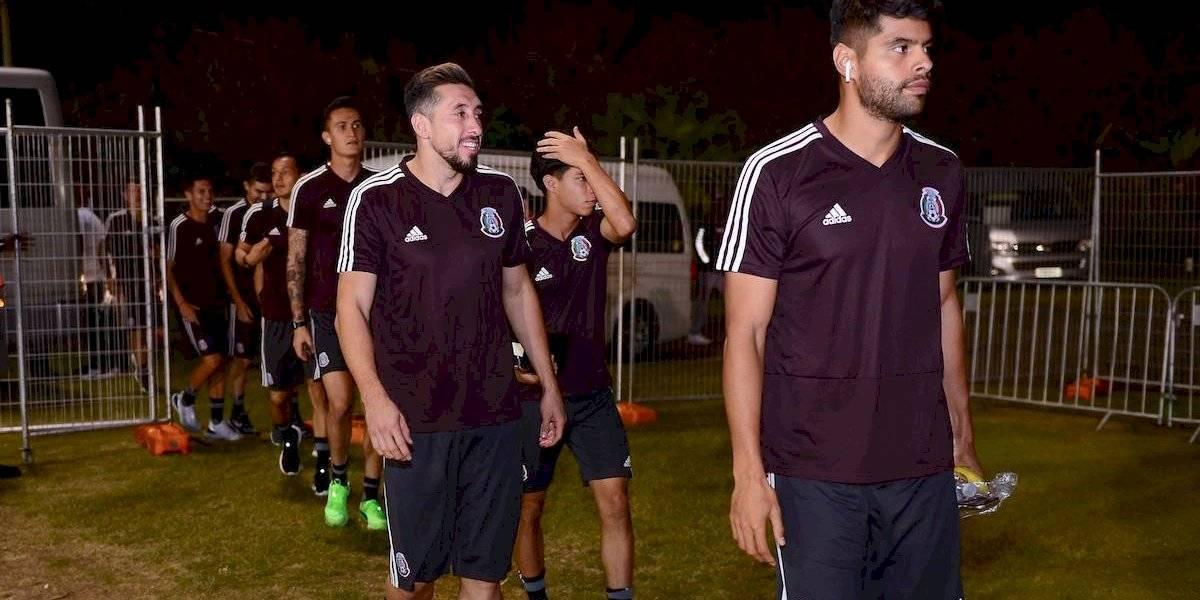 Héctor Herrera regala entradas a fanáticos 'ignorados' por el Tri