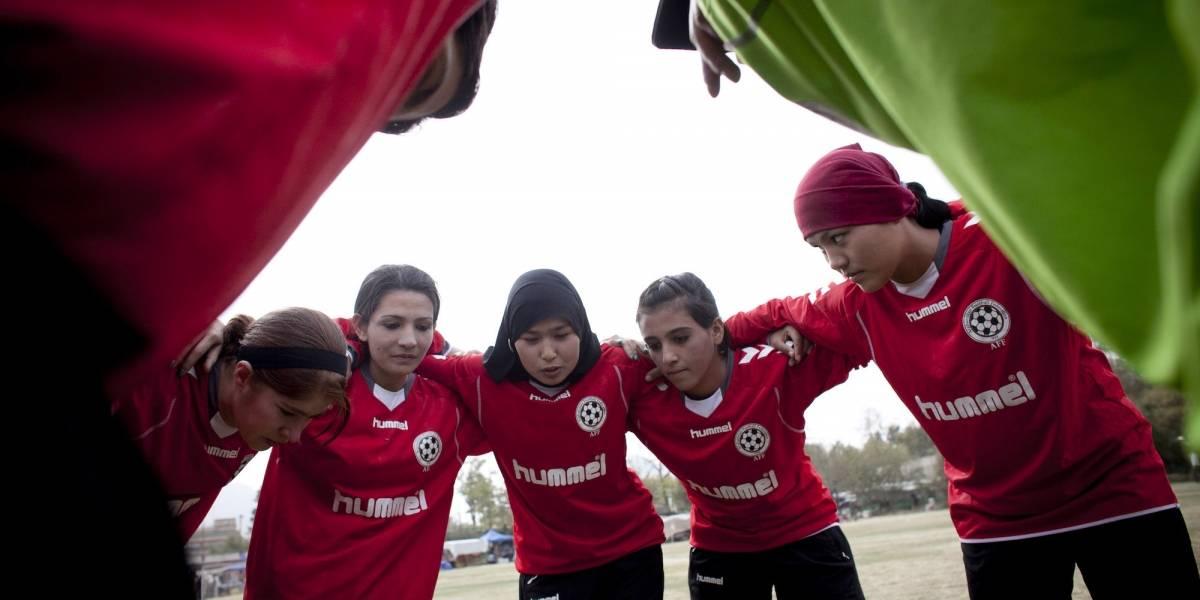 FIFA sanciona a directivo que ocultó abusos sexuales sobre jugadoras