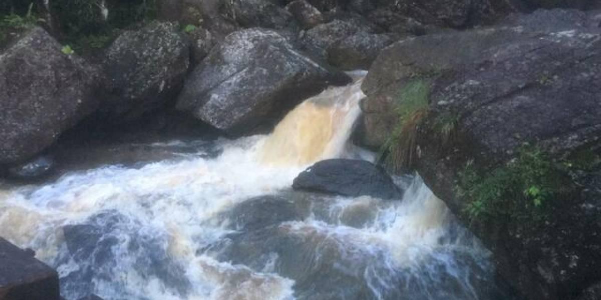 Encuentran cuerpo de mujer arrastrada por golpe de agua en quebrada de Río Grande
