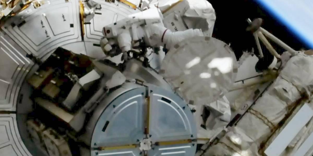 Reemplazan baterías en Estación Espacial Internacional