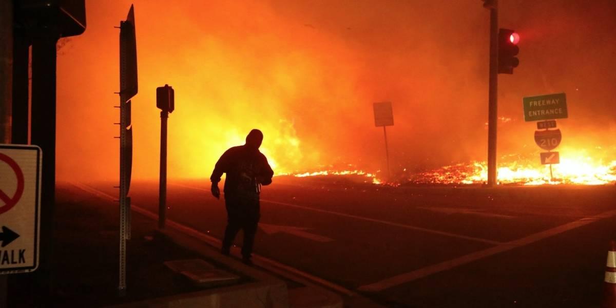 100,000 personas desalojan hogar por incendio en California
