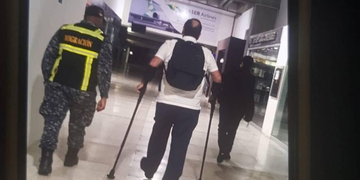 Alejandro Giammattei está en Panamá después que le impidieran entrar a Venezuela