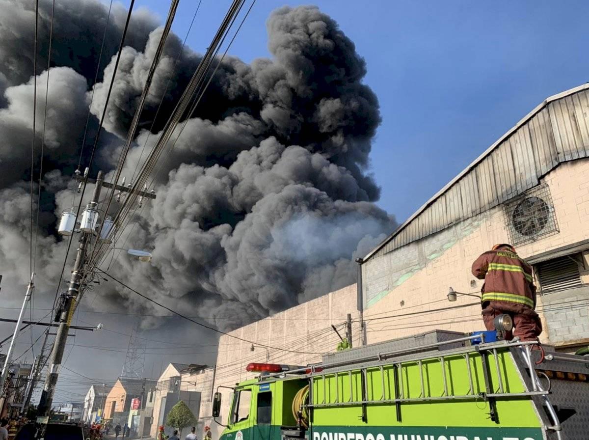 Incendio en zona 2 de Mixco