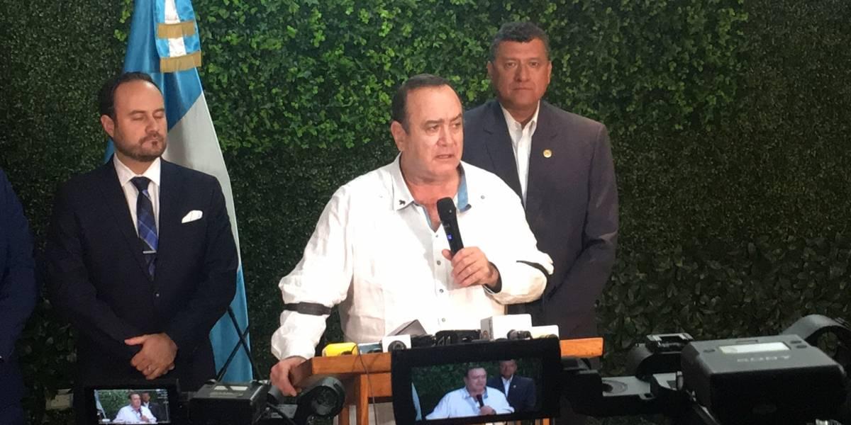 VIDEO. Alejandro Giammattei habla sobre su expulsión de Venezuela y por qué usó pasaporte italiano