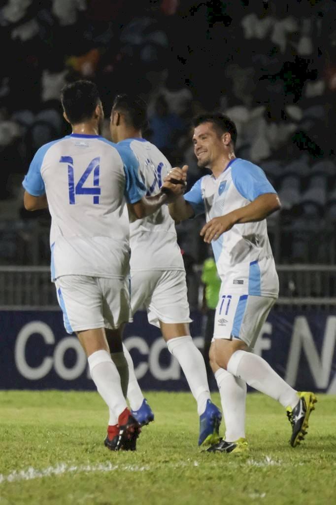 Foto AFP | Edward Santeliz celebró la noche del sábado su gol ante Anguila
