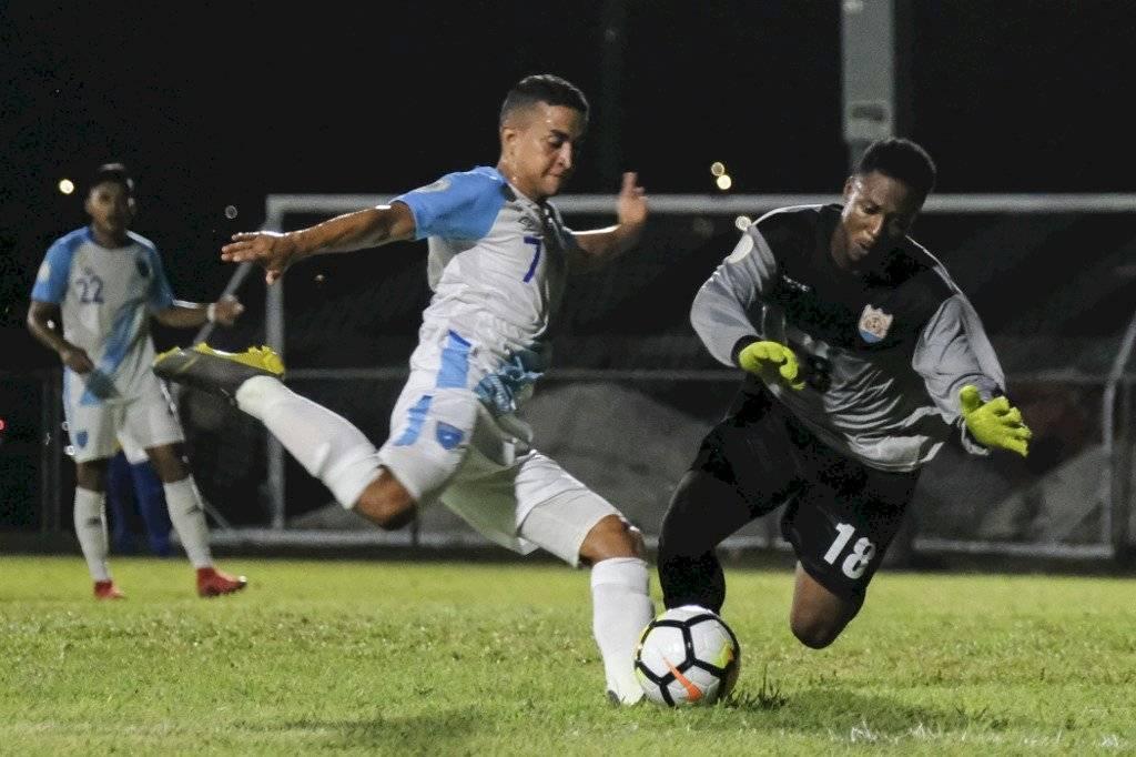 Foto AFP | Marvin Ceballos tuvo una gran actuación en la goleada de la bicolor ante Anguila