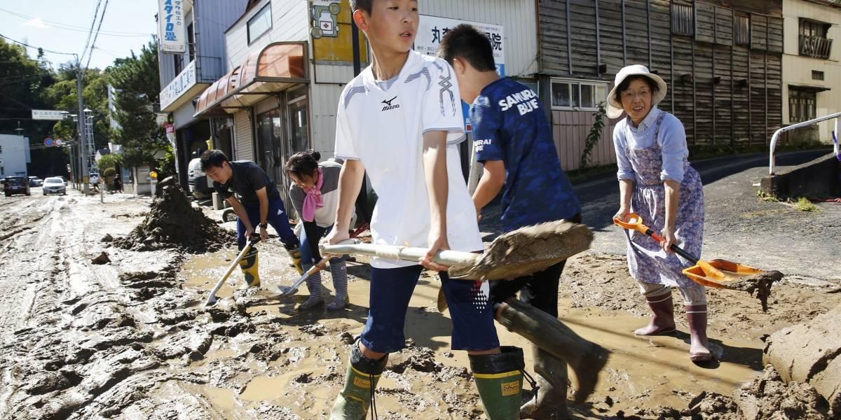 Al menos 19 muertos en Japón por poderoso tifón