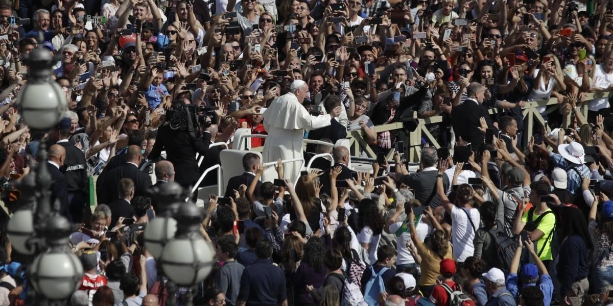Papa Francisco hace un llamado a la paz en Ecuador