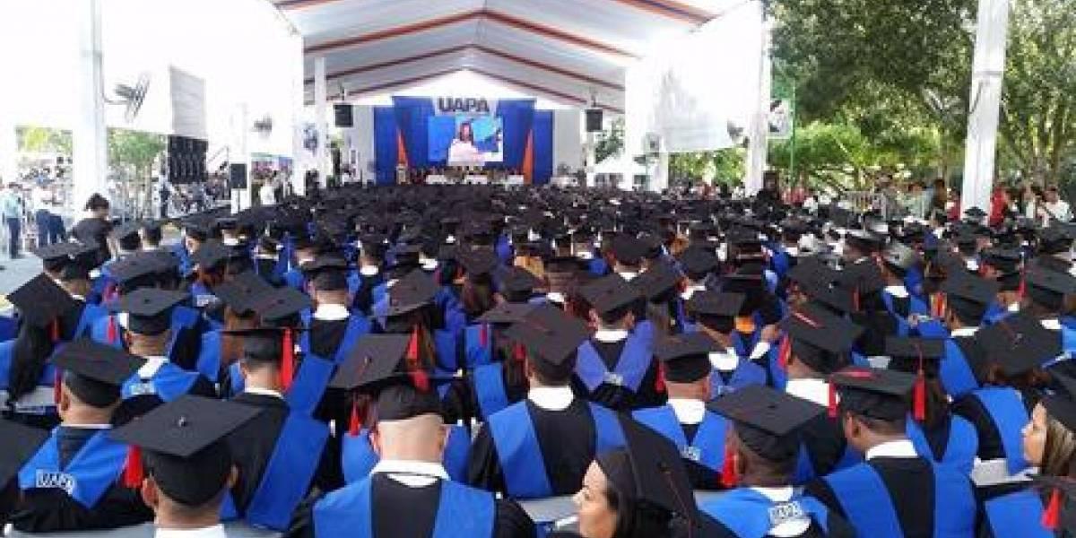 UAPA entrega 1,326 profesionales al país