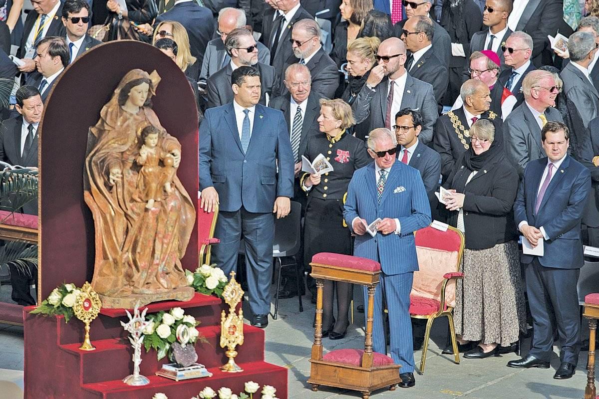 A relíquia: Um pedaço de osso da costela de Irmã Dulce com um coração de ametista (centro) é a relíquia de Santa Dulce, que ficará no Vaticano Mazur/Cbcew.org.uk