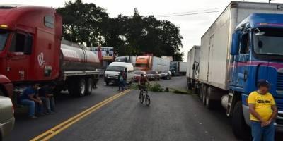 bloqueo en Km. 149 de ruta al Pacífico