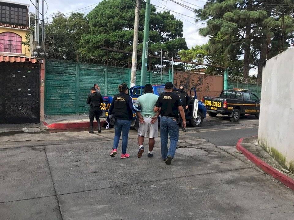 capturado en zona 14 por vender motos robadas