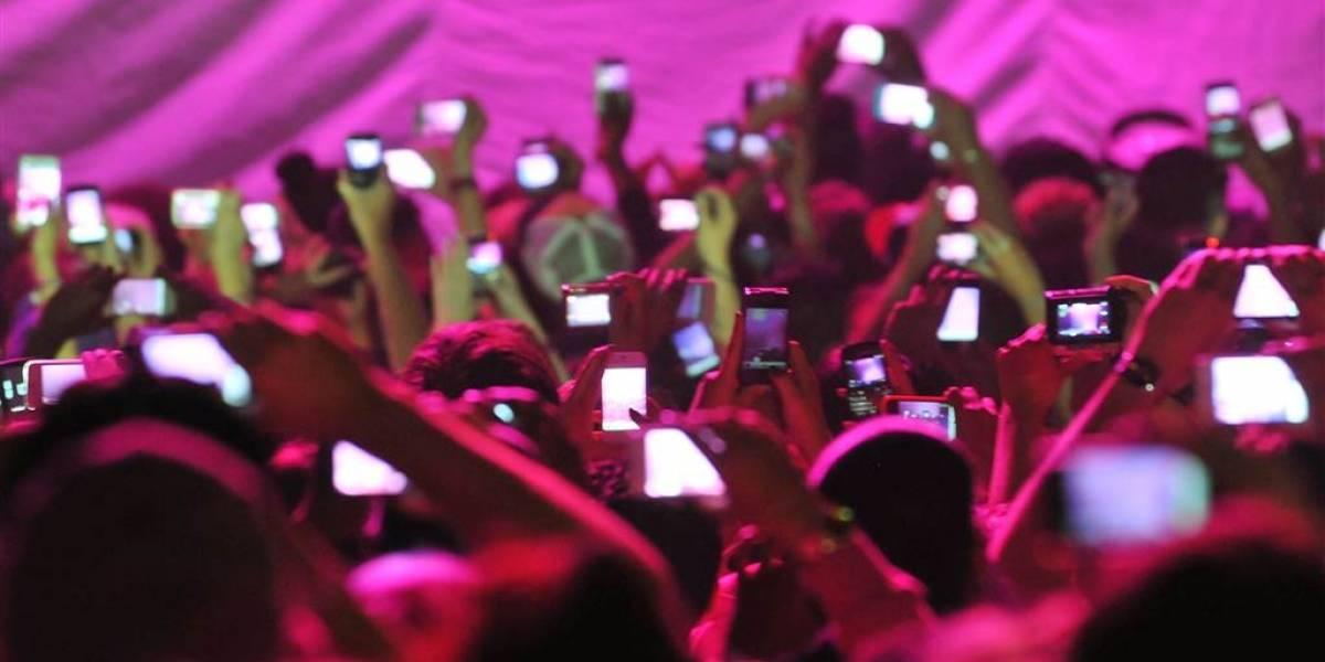 Conciertos y el uso de celulares ¿Es correcta su prohibición?