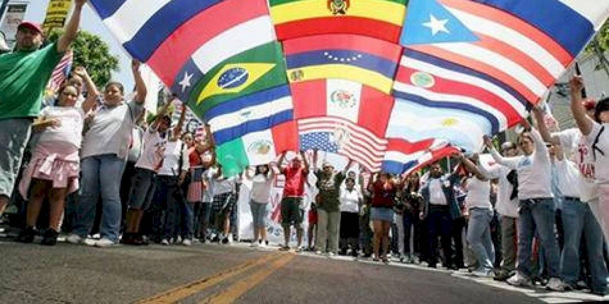 Hispanos festejan su cultura en tradicional desfile de Nueva York