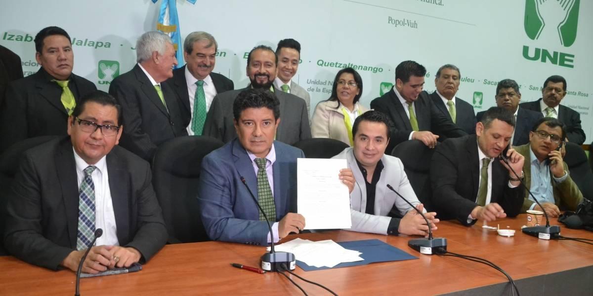Bloque UNE propone reformas para remover al fiscal general