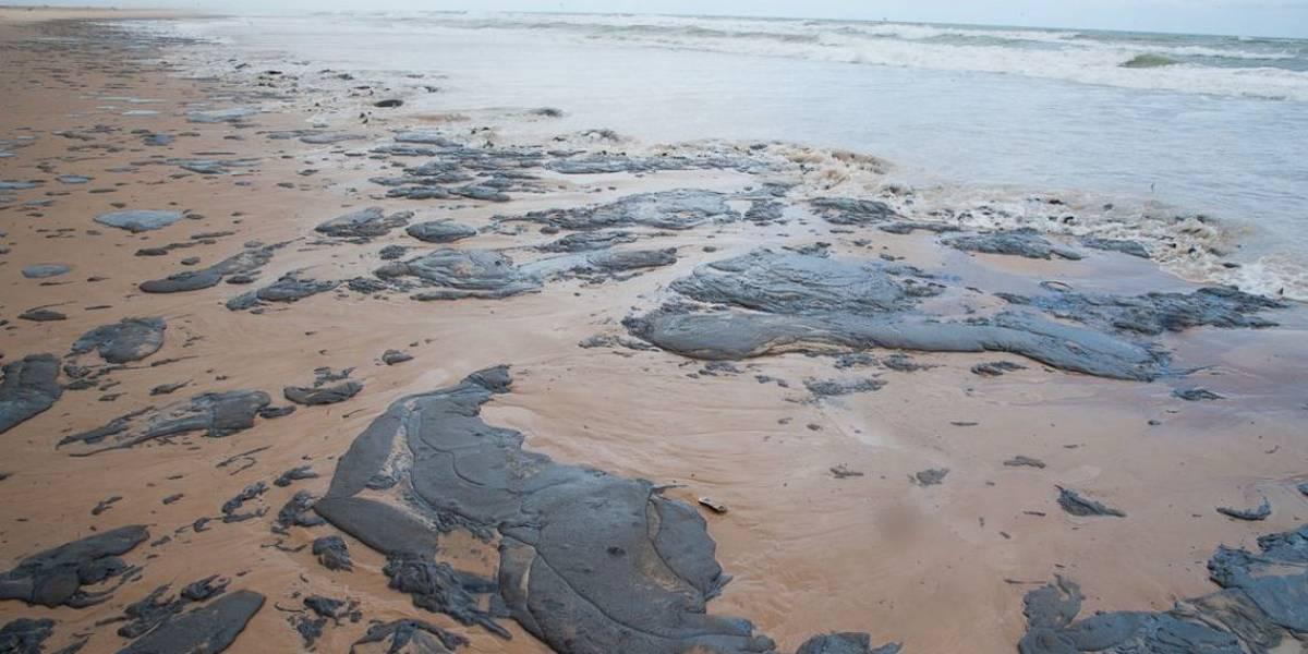Viagens a praias atingidas por óleo no Nordeste poderão ser remarcadas sem multa