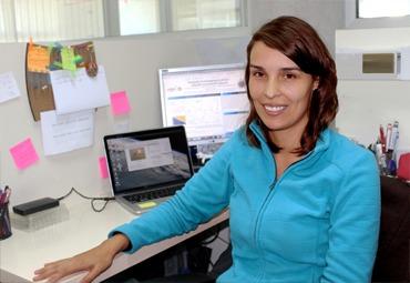Física chilena lidera estudio que busca nuevas formas en que se propaga la energía