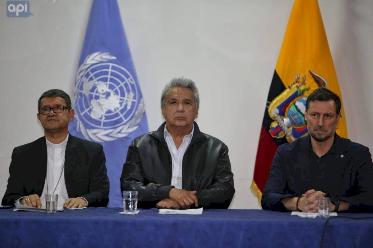 Mesa de diálogo entre le Gobierno y dirigente indígenas