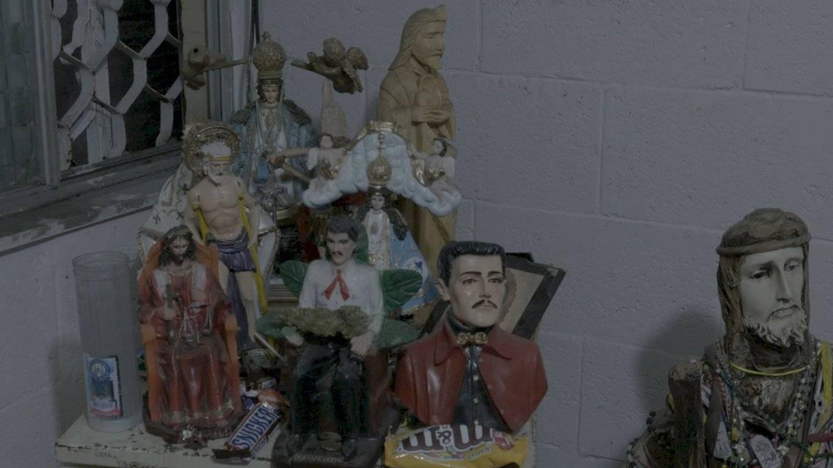 Los vendedores de droga muestran sus creencias religiosas con un pequeño altar A&E