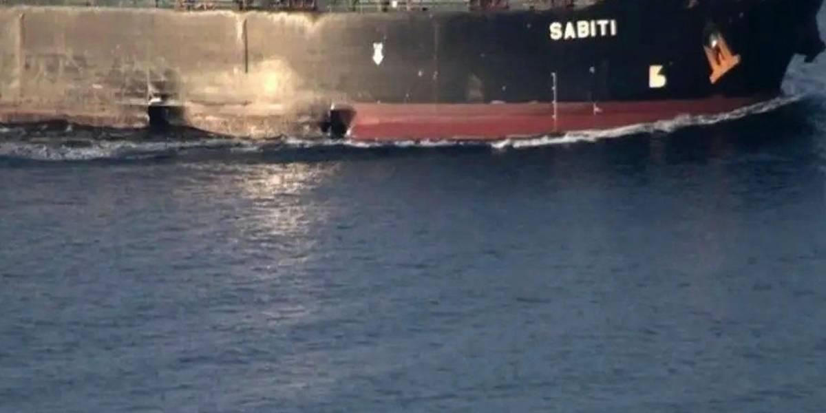 Imágenes muestran daños en un petrolero iraní atacado