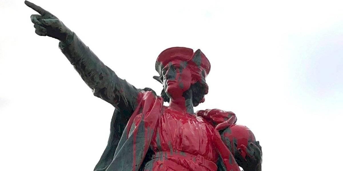 Vandalizan estatua de Cristóbal Colón en EE.UU.