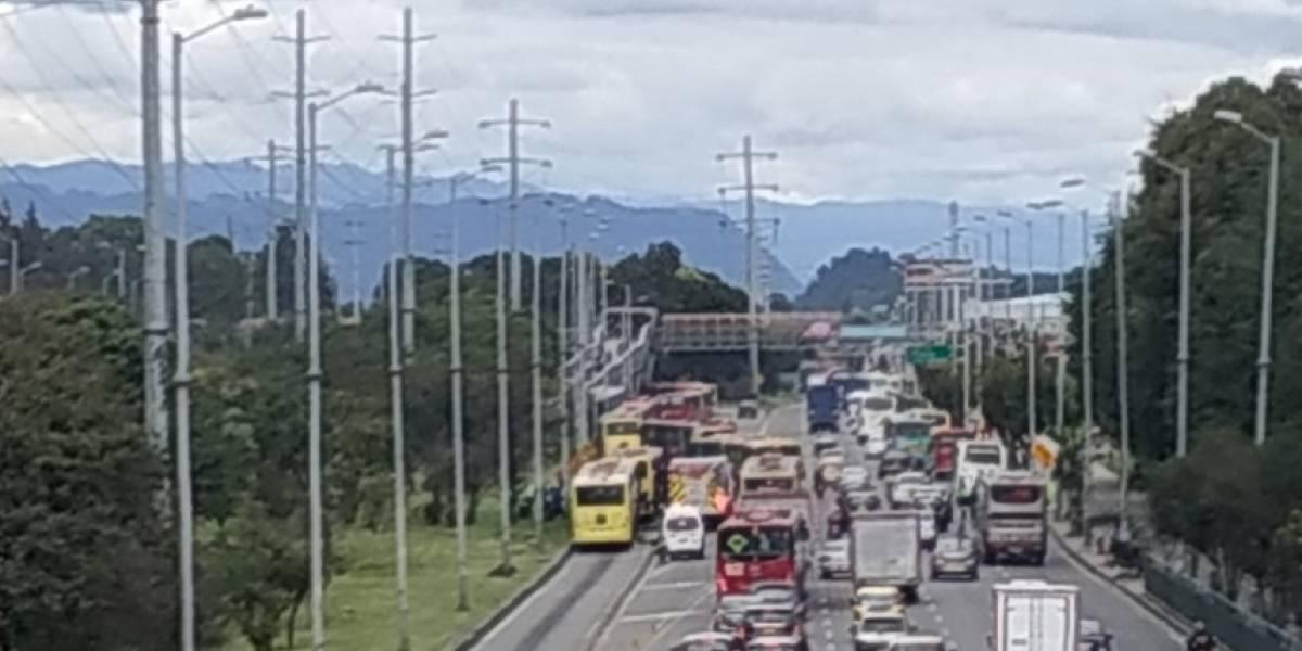 Varios heridos por accidente entre dos buses de TransMilenio