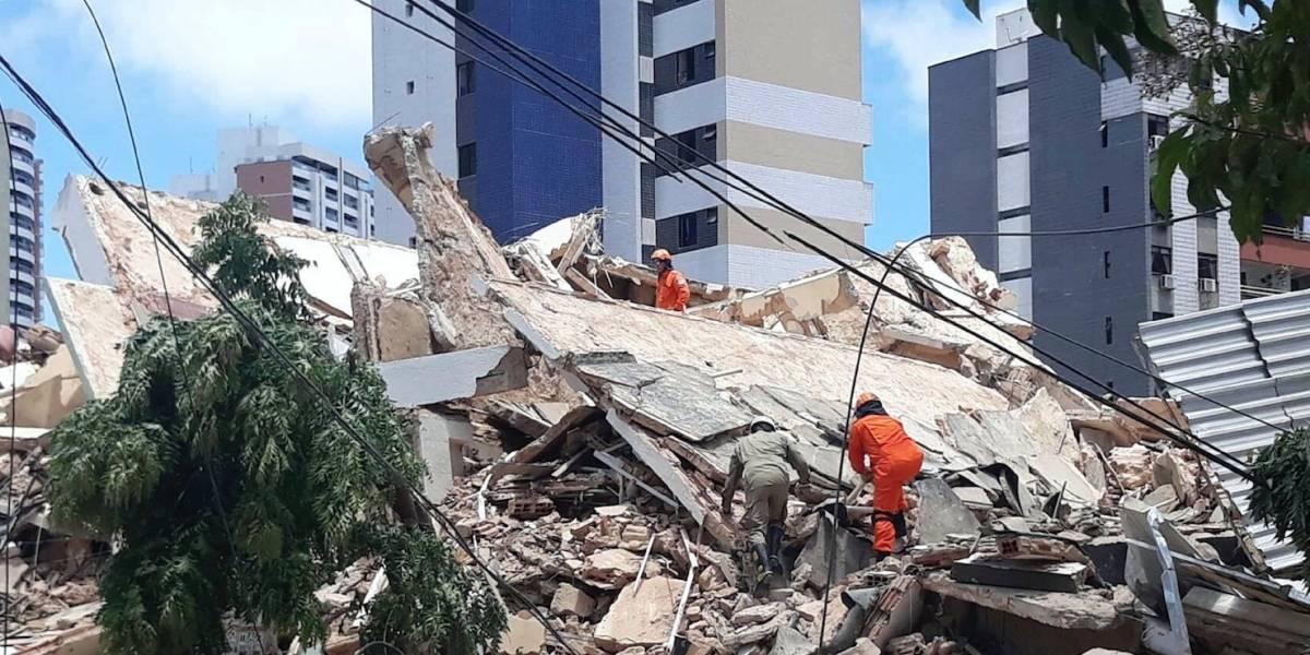 Muere una persona tras derrumbarse edificio en Brasil