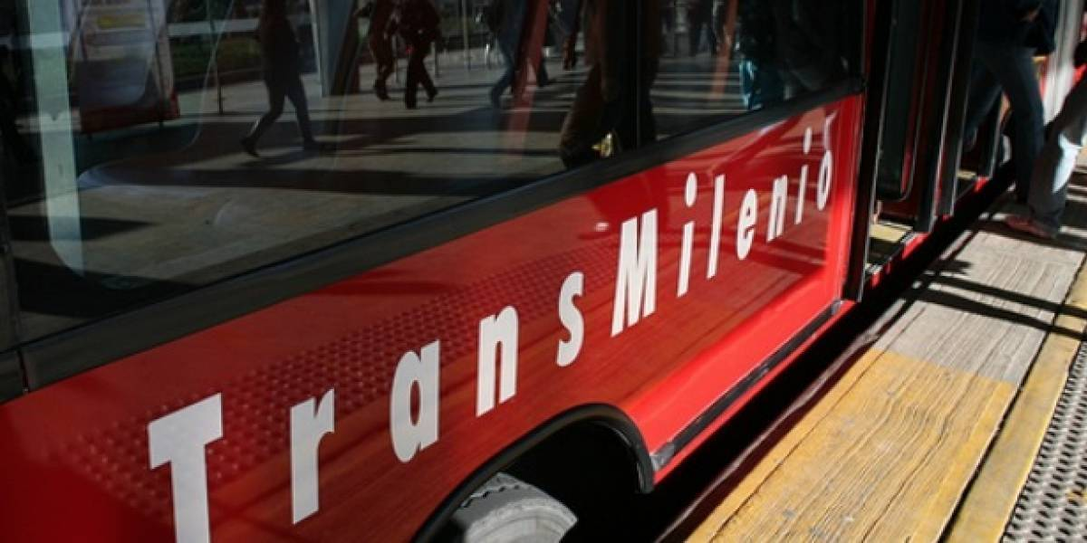 """""""Fallas mecánicas"""" en bus de TransMilenio dificulta la movilidad"""