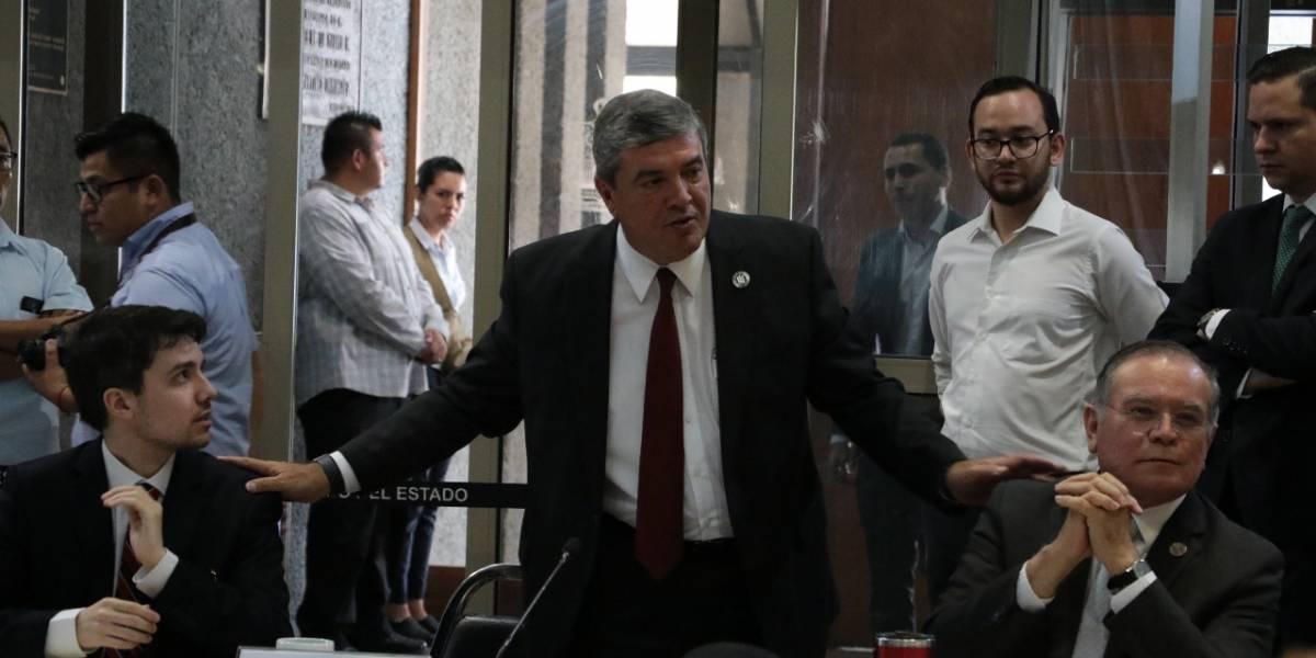 Manuel González desconoce al Congreso de Nuevo León como sancionador