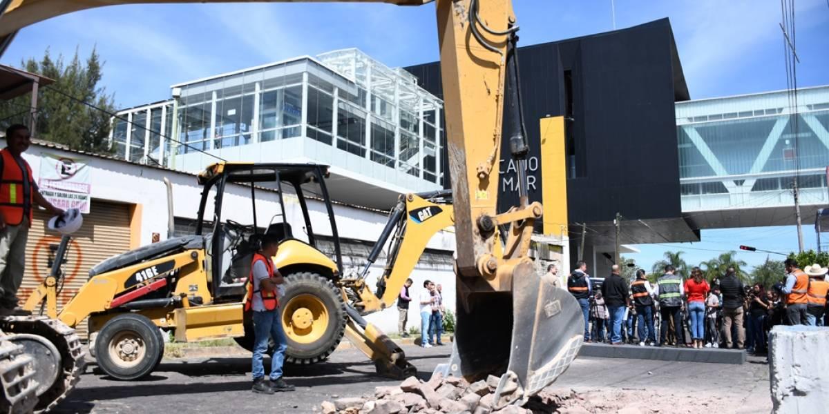 Inicia el rescate de calles devastadas por las obras de la Línea 3 en Zapopan