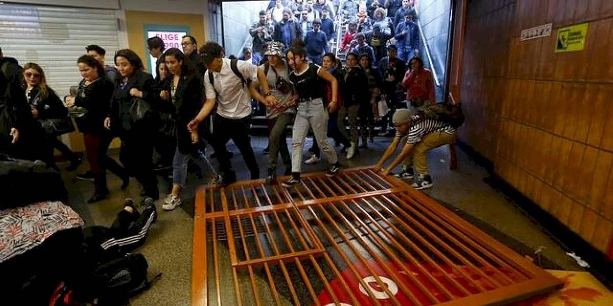 Gobierno descartó revocar el alza de tarifas — Crisis del Metro
