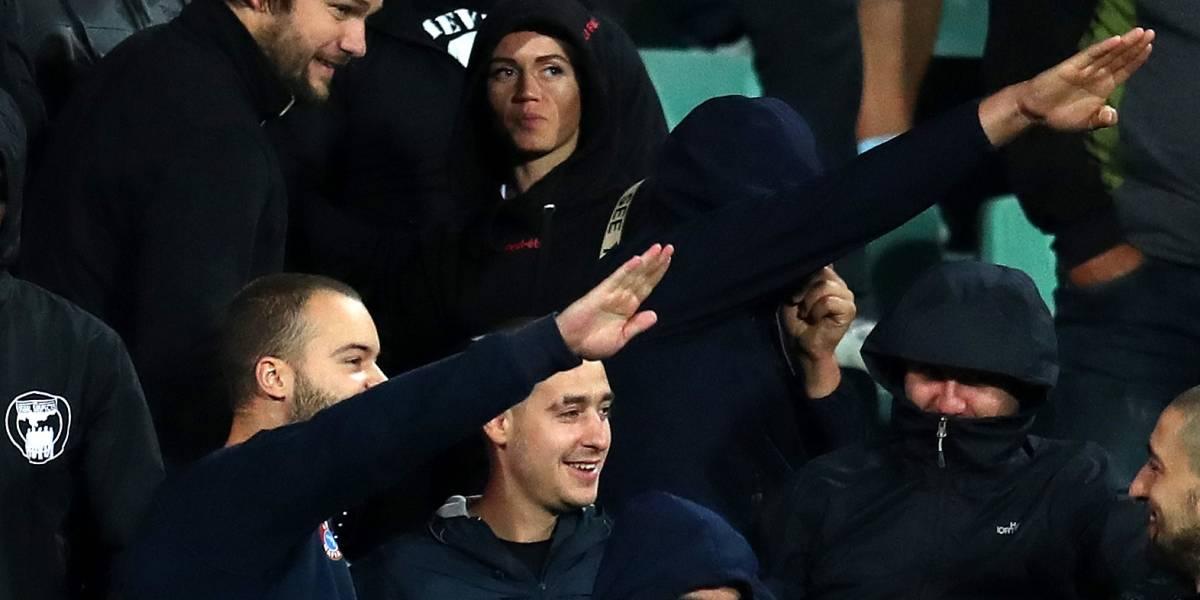 Polícia da Bulgária prende 6 torcedores por racismo em jogo contra Inglaterra
