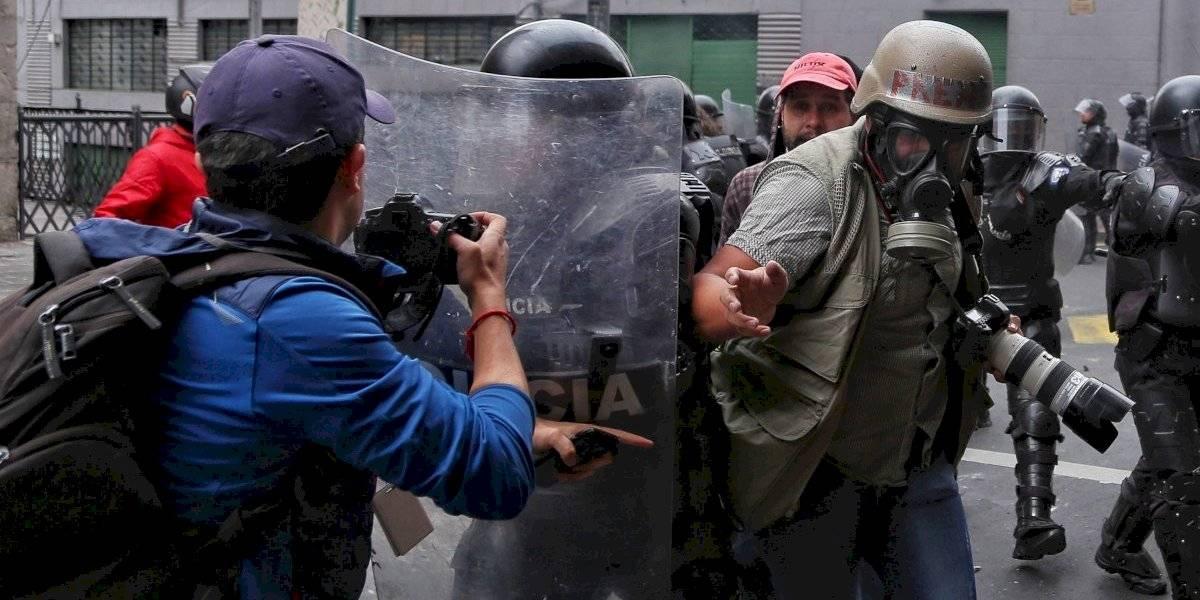 Paro en Ecuador: más de un centenar de periodistas fueron agredidos durante manifestaciones