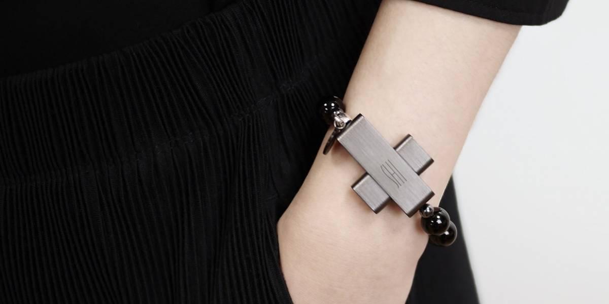 Vaticano tech: Creó rosario inteligente que al hacer gesto de la cruz se conecta al móvil
