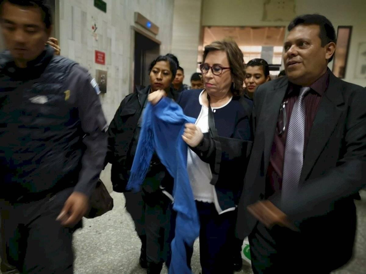 Sandra Torres y su abogado. Foto: Emisoras Unidas