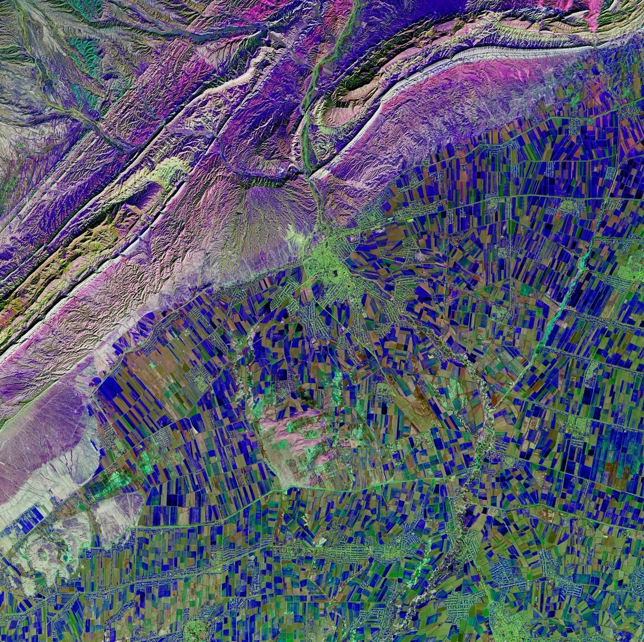 La NASA muestra una impresionante óptica artística de la Tierra
