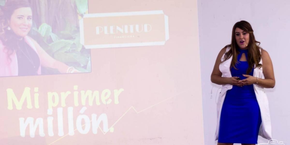 Asesora en finanzas imparte charla «Cómo Ganar mi Primer Millón»