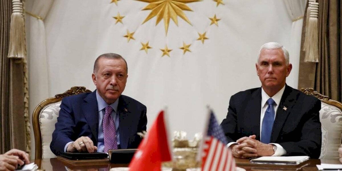 Estados Unidos y Turquía acuerdan cese al fuego en Siria