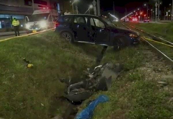 En grave accidente conductor arrolló a joven motociclista en el norte Bogotá