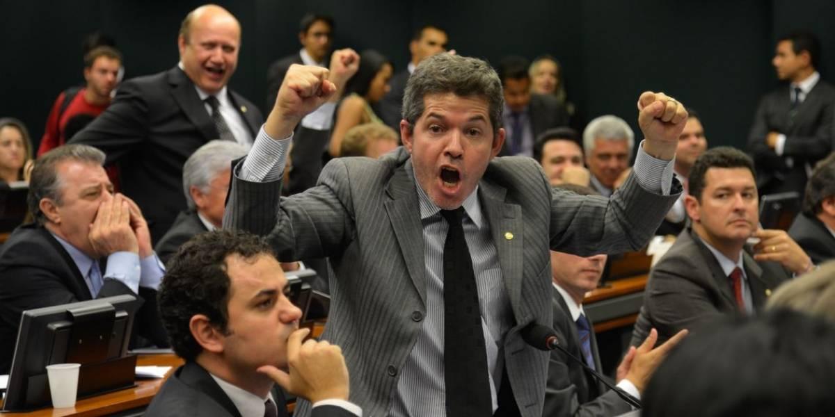 Câmara mantém Delegado Waldir como líder da bancada do PSL