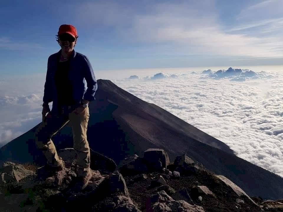 Farrington en la cima del volcán de Agua. Foto: Cortesía