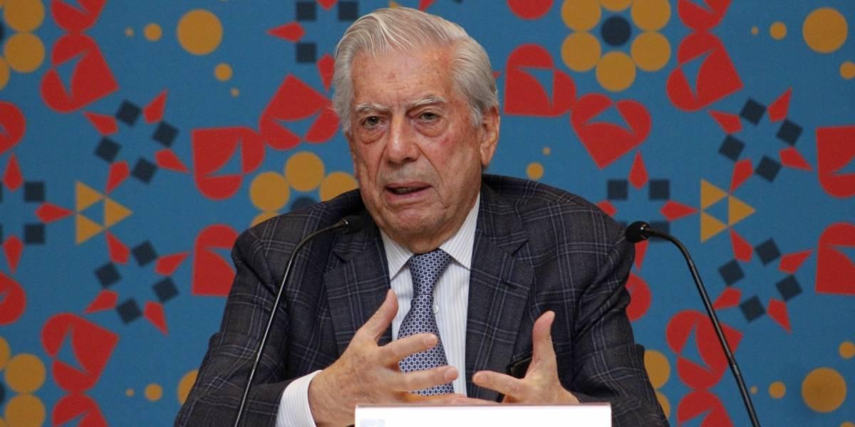 """Vargas Llosa se lanza contra AMLO: """"Es la resurrección del PRI"""", dice"""