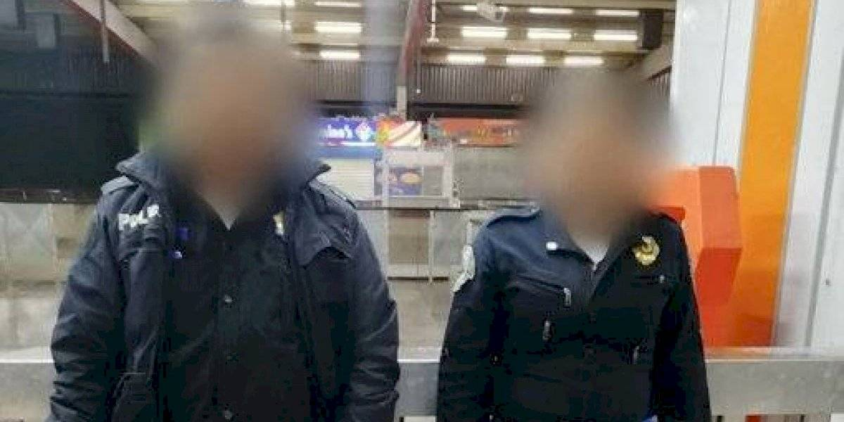 Detienen a dos policías por robar más de mil 500 boletos del Metro
