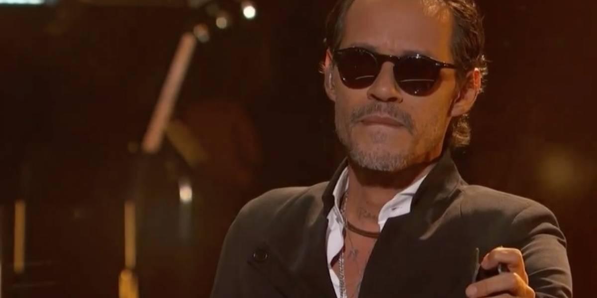 Marc Anthony rinde tributo a José José