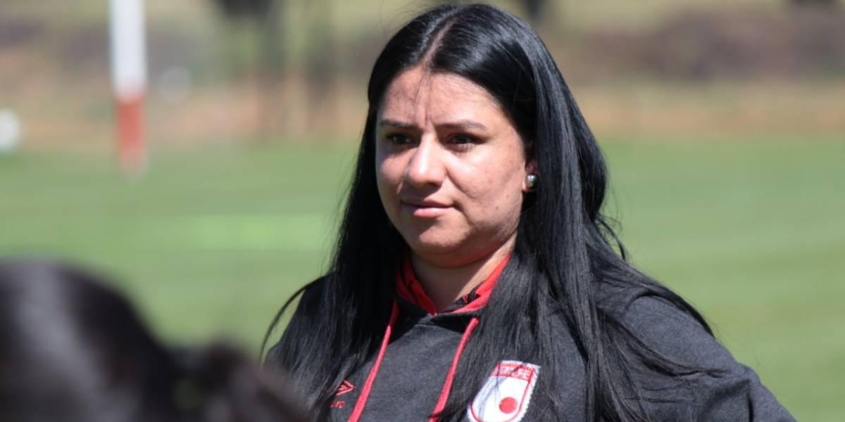 """""""El jugador tiene que entender que el fútbol es una profesión y por eso se tiene que preparar"""" , psicóloga de Santa Fe"""